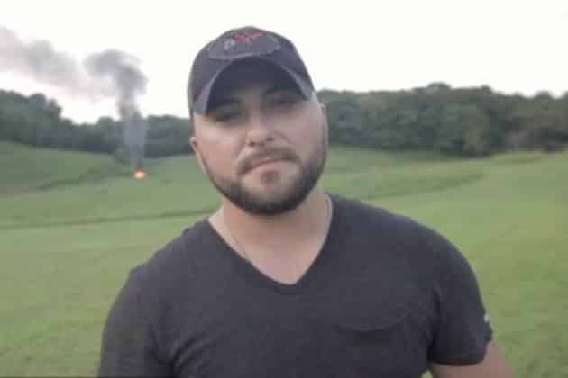 tyler farr celebrates,tyler farr,million facebook likes