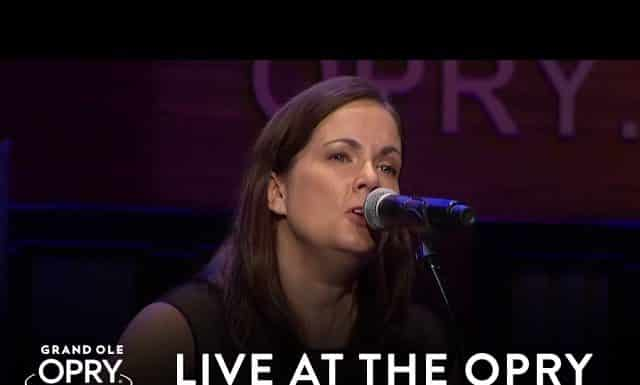 nsai song of the year with 'humble and kind',humble and kind,lori mckenna wins nsai,lori mckenna wins,lori mckenna,